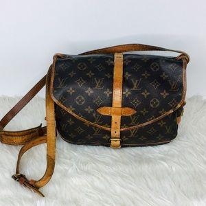 Louis Vuitton Saumur 30 Crossbody Shoulder Bag